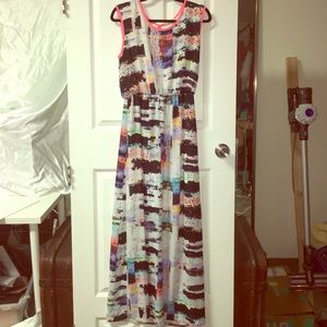 Dresses & Skirts - Multicolored sleeveless maxi dress